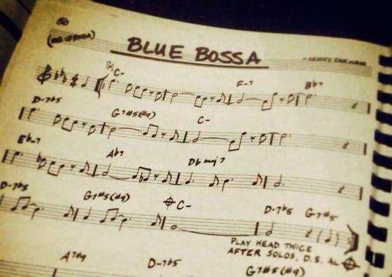 Cómo improvisar en Blue Bossa y no morir en el intento