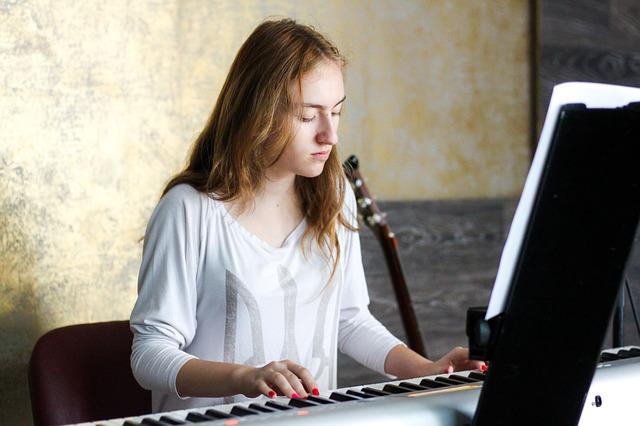 Tocar un instrumento armónico (piano, guitarra …) es importante para el músico de jazz